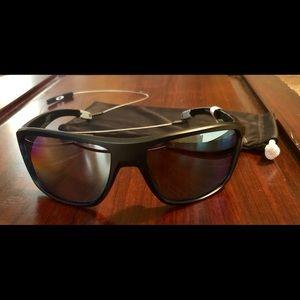 Oakley 'Split Shot' Sunglasses.